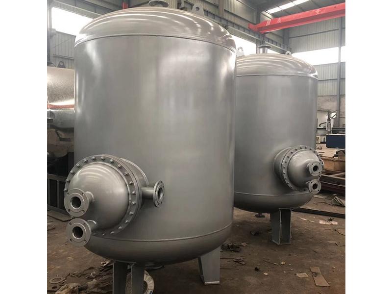 立式储热水罐